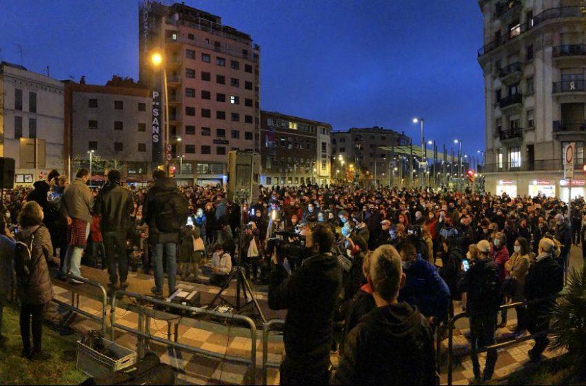 Sants protesta contra l'empresonament d'en Carles