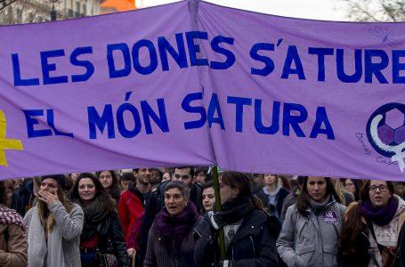 El carrer Muntades acull la Fira del Llibre Feminista